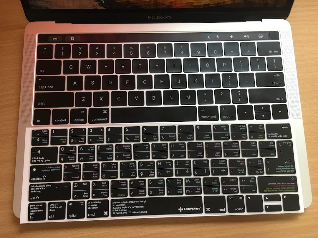 MacBookProのキーボードと比較